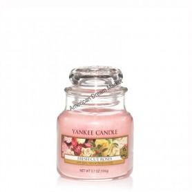 Petite jarre fresh cut roses