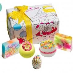Coffret Bomb cosmetics colour me happy